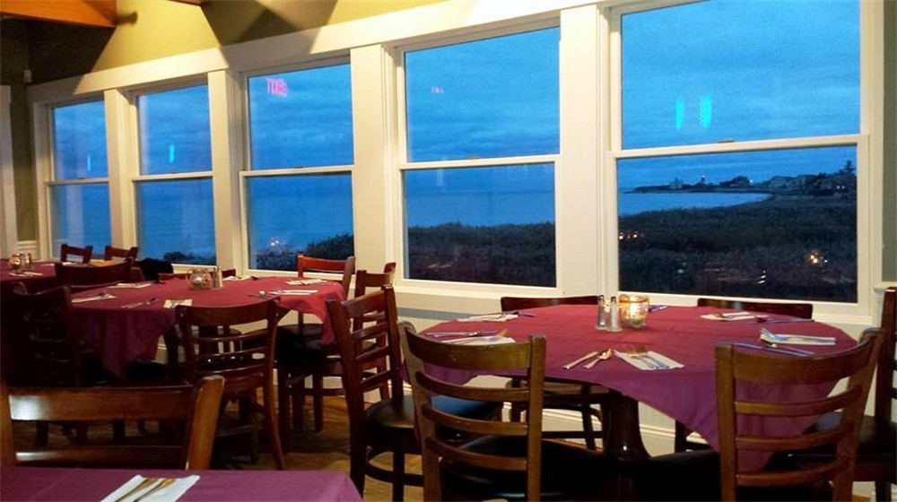 A Water Front Narragansett Restaurant With Seafood As Good The Ocean View Featuring Wide Verity Of Clically Prepared Fresh Local Pasta